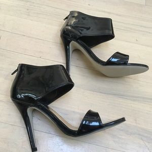 Madden Girl patent leather cuff sandals 6.5